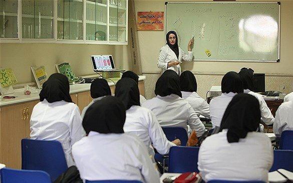 یک چهارم اعضای هیات علمی دانشگاه ها زن هستند ، عدم تعادل تحصیلات و نقش اجتماعی زنان