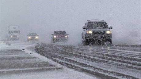 برف و باران در محورهای 16 استان کشور