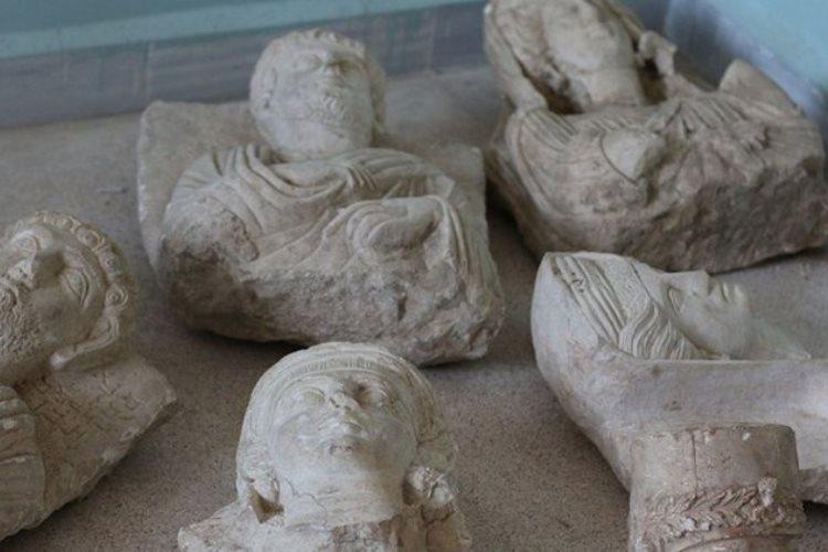 داعش آثار باستانی سوریه را درکشورهای غربی حراج می نماید