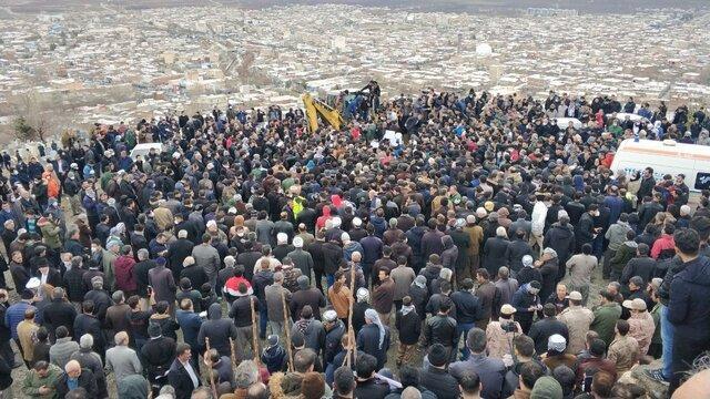 پیکر قهرمان پاراوزنه برداری دنیا در زادگاهش به خاک سپرده شد