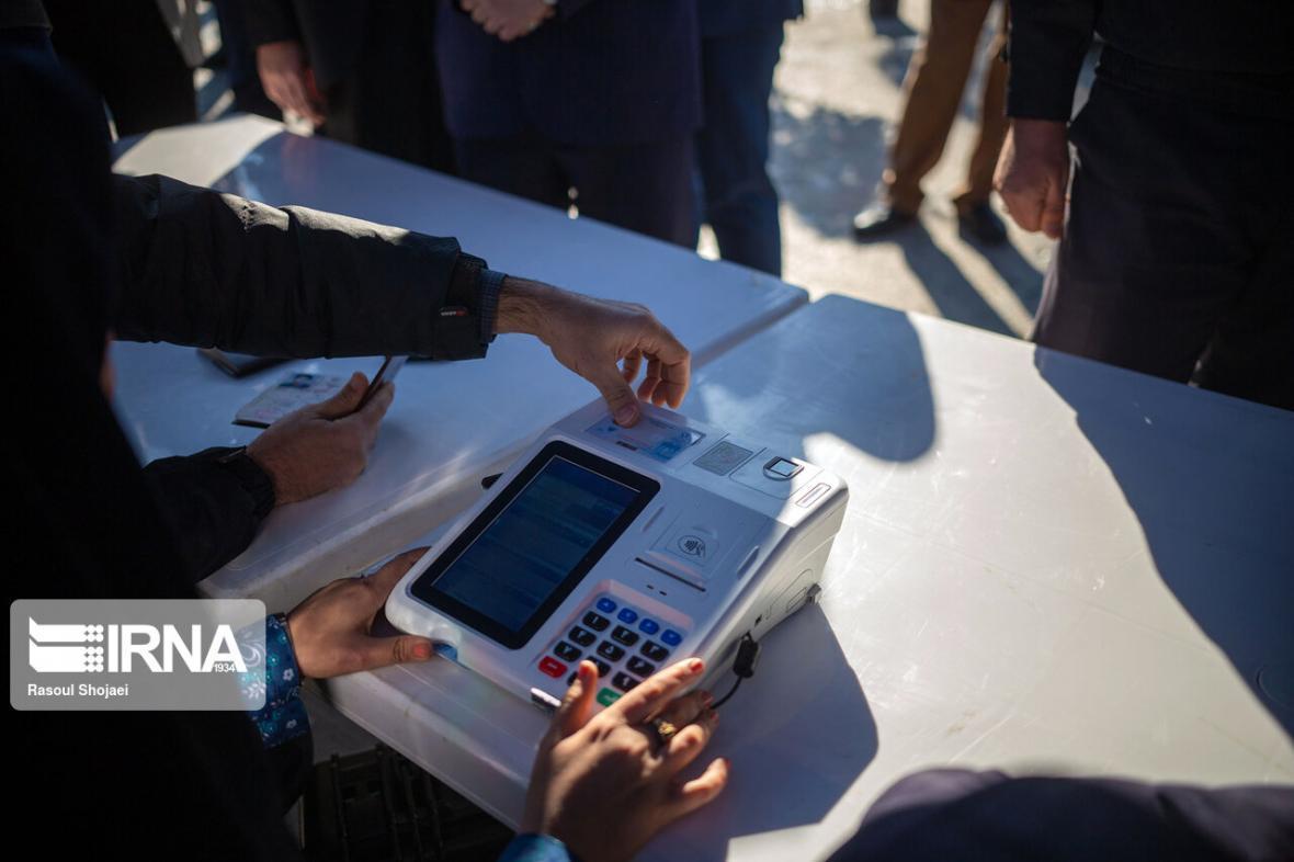 خبرنگاران انتخابات الکترونیک و قوانینی که بر زمین مانده