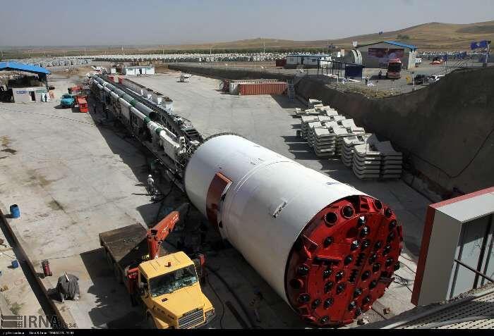 خبرنگاران حفاری تونل انتقال آب از سد کانی سیب به دریاچه ارومیه مرداد امسال پایان می یابد