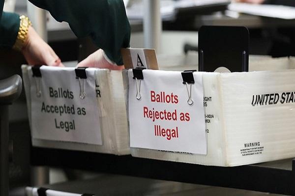 دومین صندوق رأی گیری در آمریکا به آتش کشیده شد