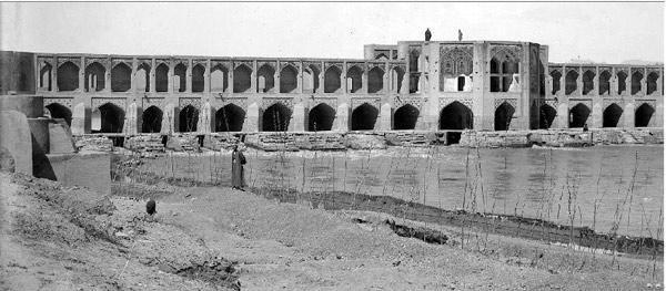 پل خواجو اصفهان؛ سمبل معماری ایده آل، زیبایی و استحکام