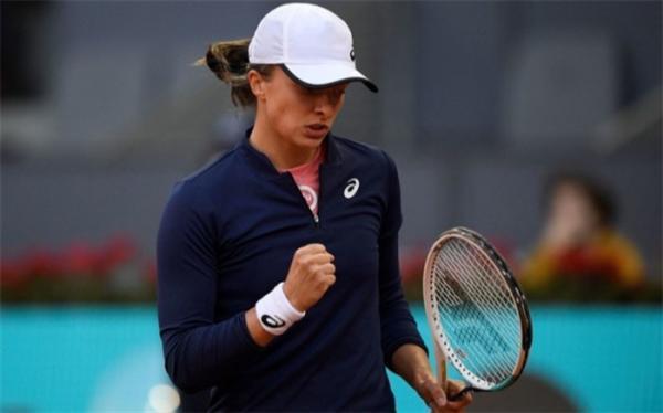 تنیس اوپن ایتالیا؛ شگفتی سازی دختر 19 ساله ادامه دارد