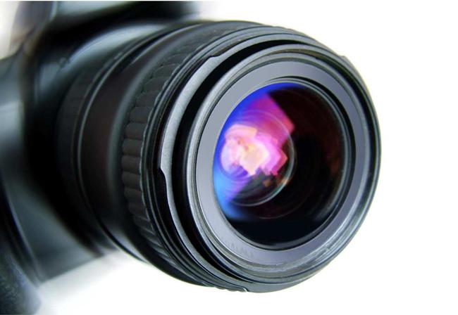 میدانستید بازدم شما میتواند به لنز دوربین صدمه بزند؟
