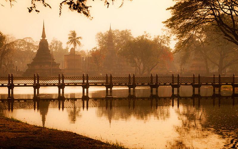 بازدید از شهر سوخته سوخوتای در تایلند